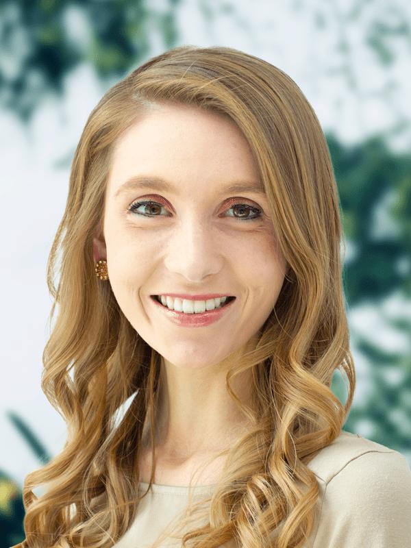 2021 Headshots Web Suzanne D (1)