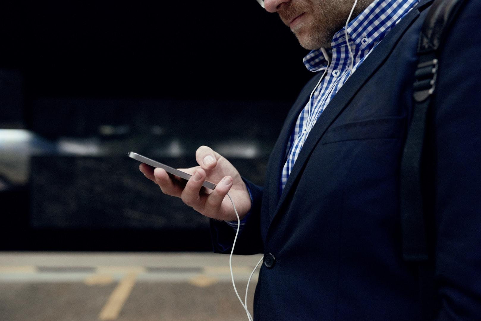 Using Smartphone On Move